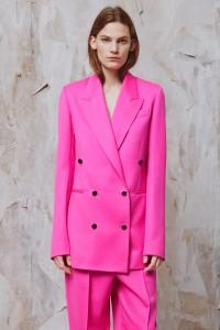 resort-2016-runway-trends-10-pink-suits-00