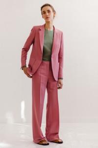 resort-2016-runway-trends-10-pink-suits-01