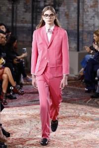 resort-2016-runway-trends-10-pink-suits-03